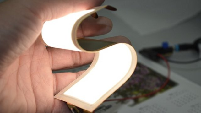 OLED-lighting-panel-flexible.jpg